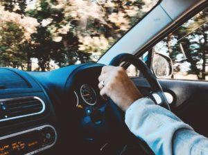 driving-commuter
