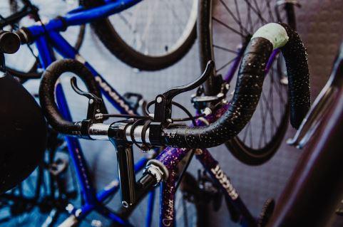 black-road-bike