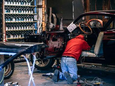 mechanic-fixing-automobile