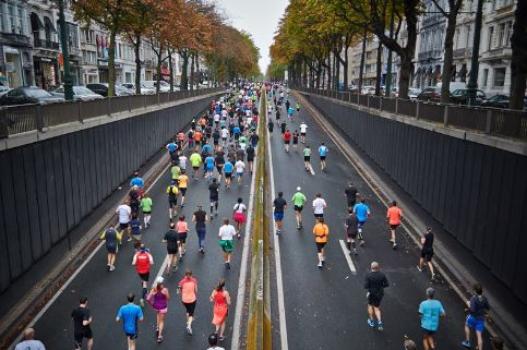 marathon-runners-on-the-road